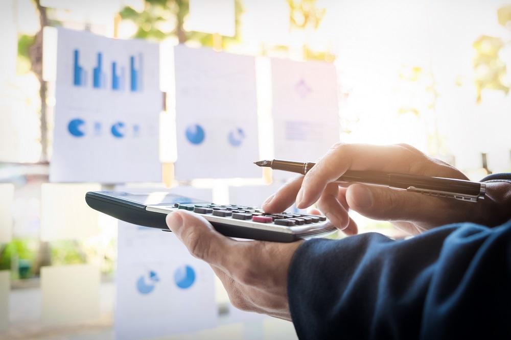 ¿Cómo administrar los ingresos de una empresa de manera eficaz?